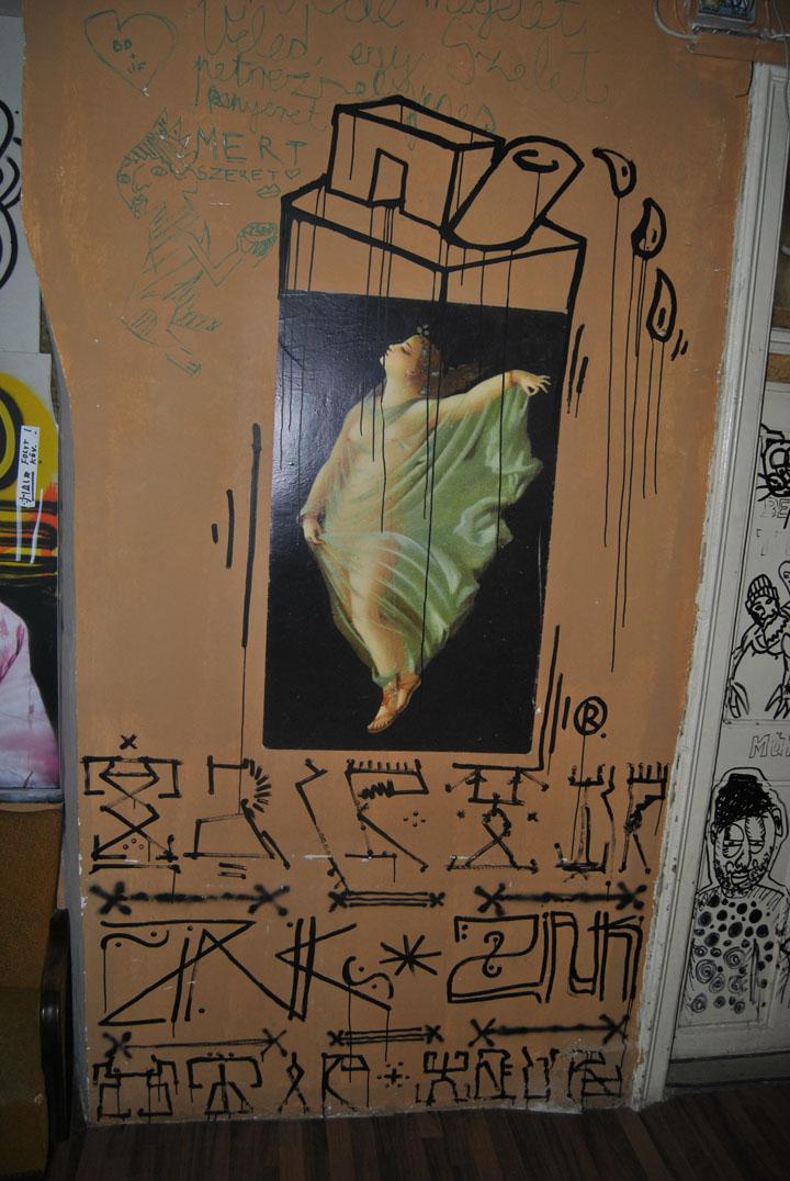 a-street-art-te-vagy-super8-08.jpg
