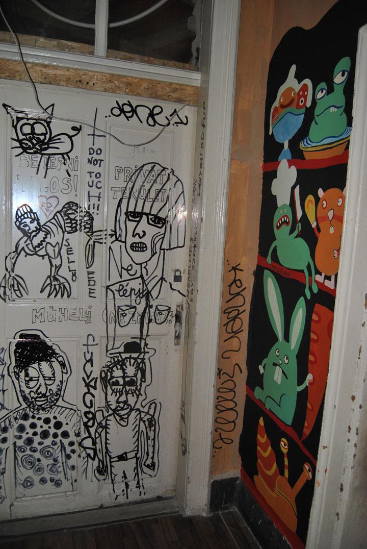 a-street-art-te-vagy-super8-10.jpg