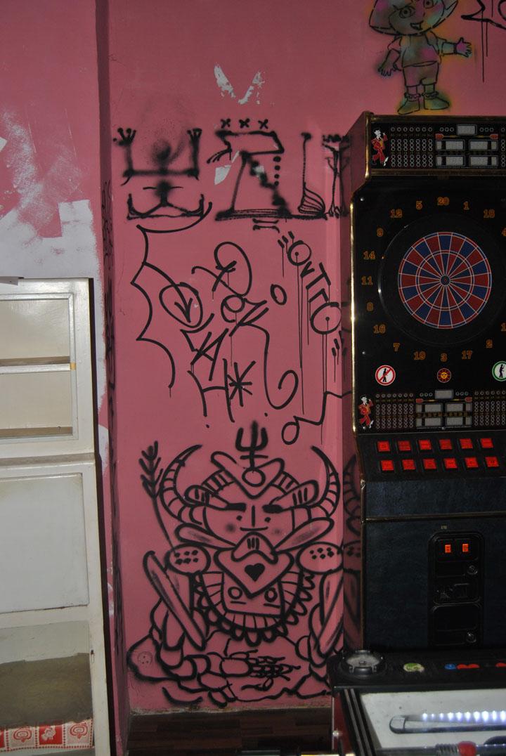 a-street-art-te-vagy-super8-12.jpg