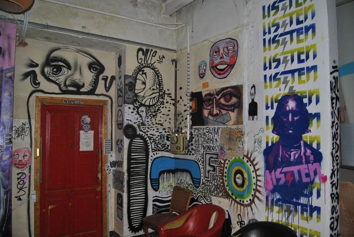 a-street-art-te-vagy-super8-27.jpg
