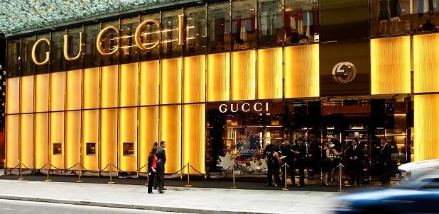 Élményekkel csábítanak a luxusmárkák