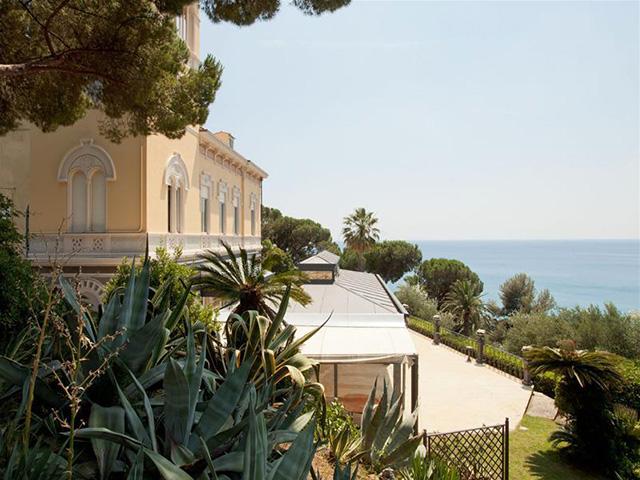Egy kastélyt az olasz Riviérán?