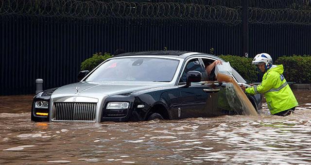 A legszegényebbek közé megy a Rolls-Royce