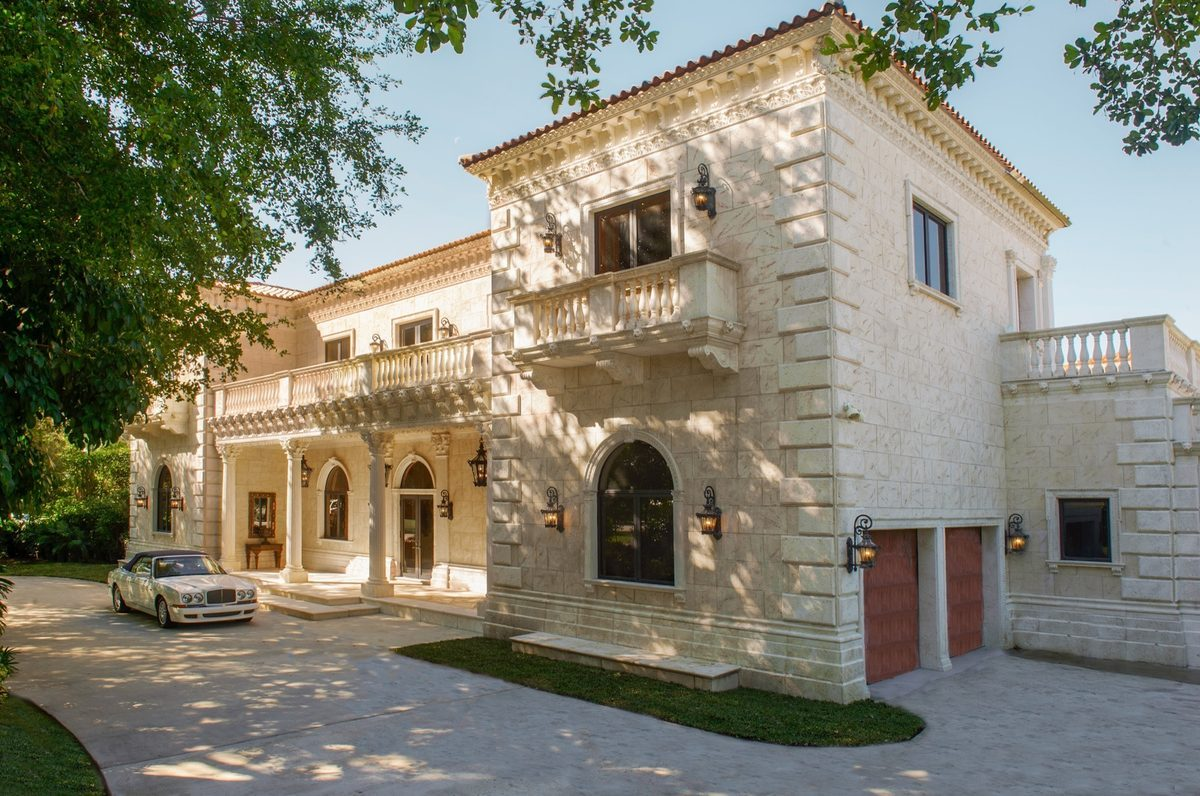 Angyalok s m rv nyolt r florida olasz palot j ban burzsuj for Casa mansion puebla