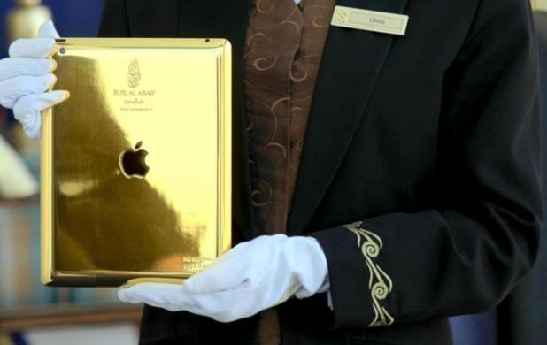 Aranyba kötött arab iPad és 80 új Prada - Burzsuj á la carte