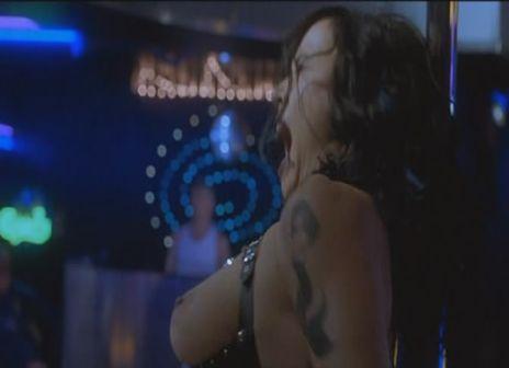 Jennifer_Tilly-Dancing_at_the_Blue_Iguana-4.jpg