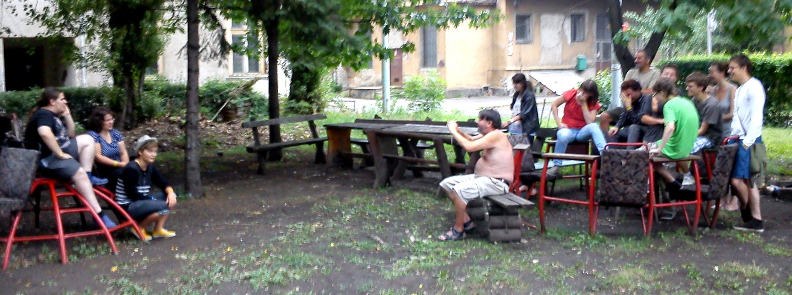 Szöveggyár tábor 2012 - csoportkép1.jpg