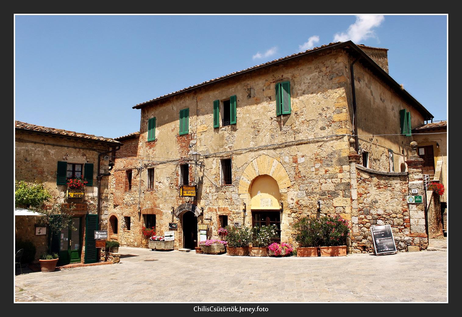 11_monteriggioni_2.JPG