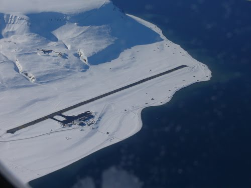 Svalbard-Airport.jpg
