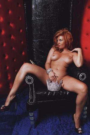 98823_Playboy_2009_10_Liptay_Claudia_0008_122_123lo.jpg