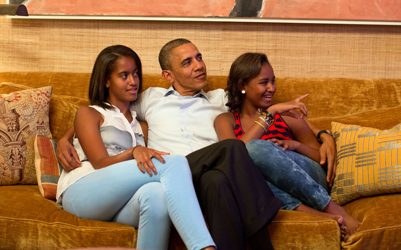 barack-obama-watching-tv-ftr.jpg