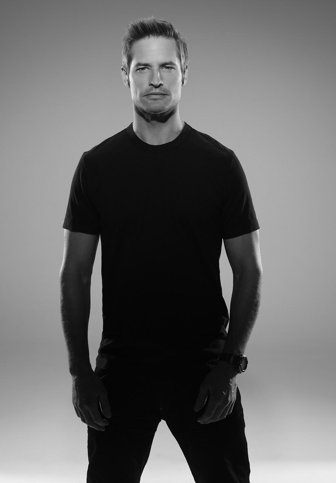 Josh-Holloway-PROMOTIONAL-PHOTOSHOOT-INTELLIGENCE-2014-josh-holloway-36445449-1280-1708.jpg