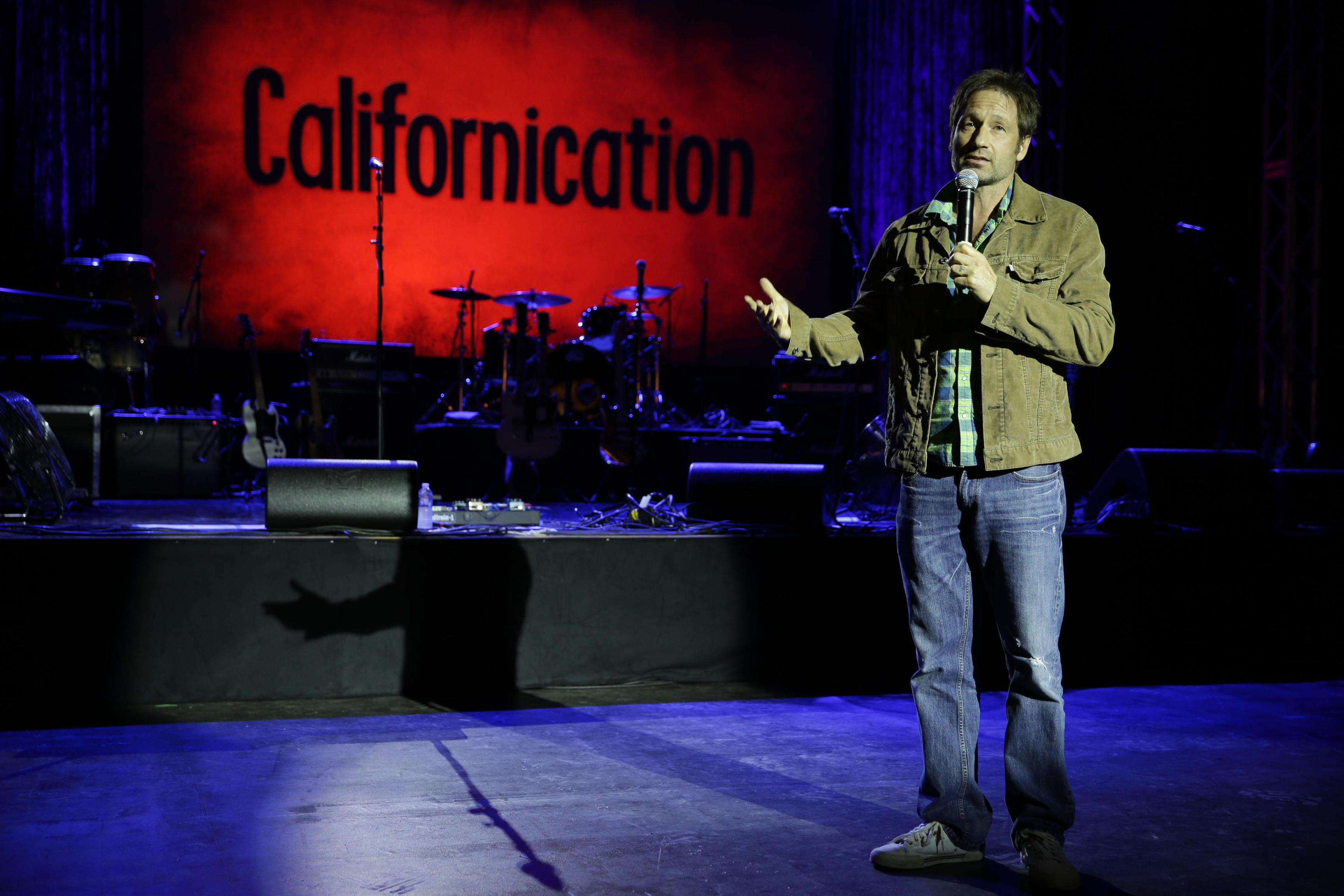 Californication - Season 7 - Wrap Party Photos (20)_FULL.jpg