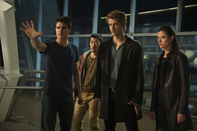 Robbie-Amell-Aaron-Woo-Luke-Mitchell-and-Peyton-List-of-The-Tomorrow-People_gallery_primary.jpg
