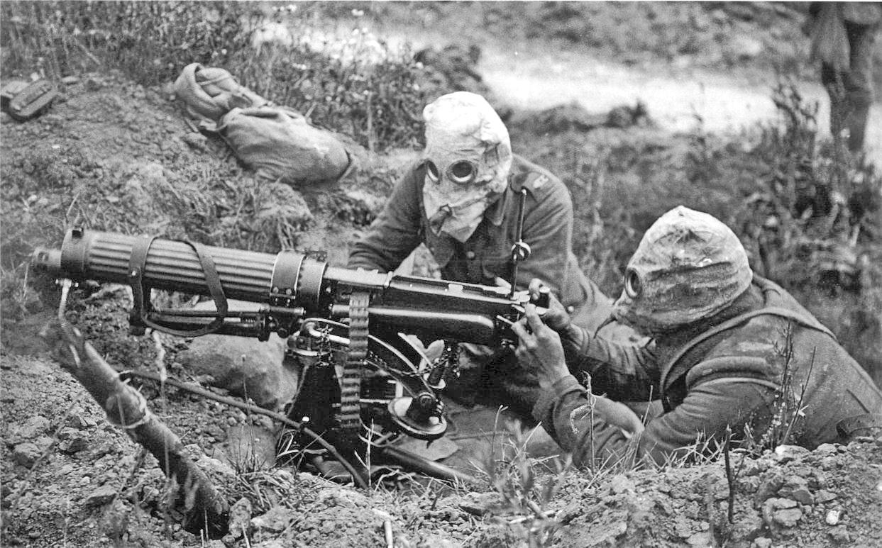 Vickers_machine_gun_crew_with_gas_masks.jpg