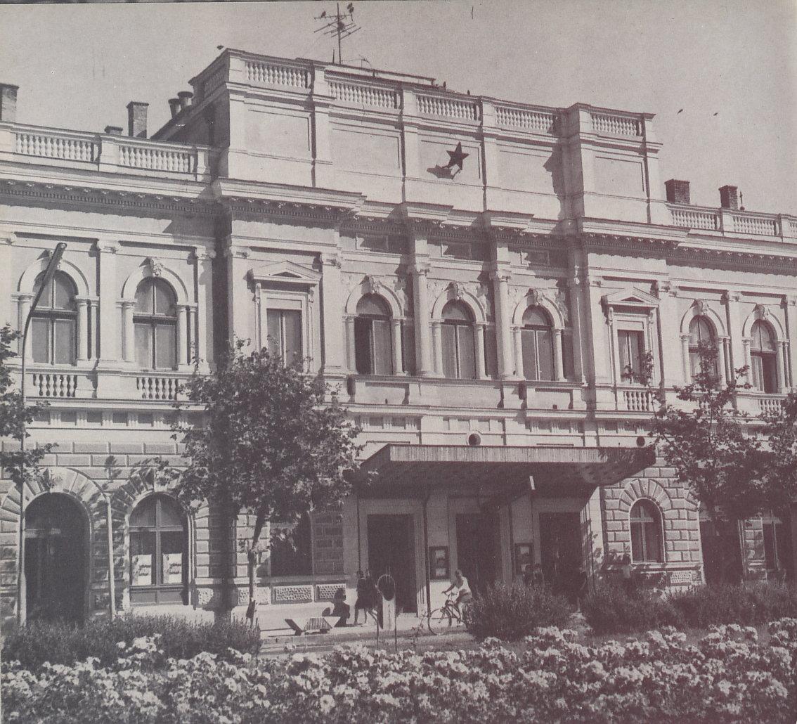 színház (2).jpg