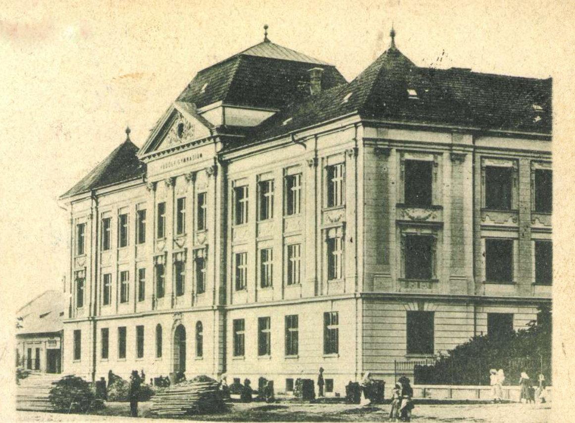 gimnazium_1900.jpg