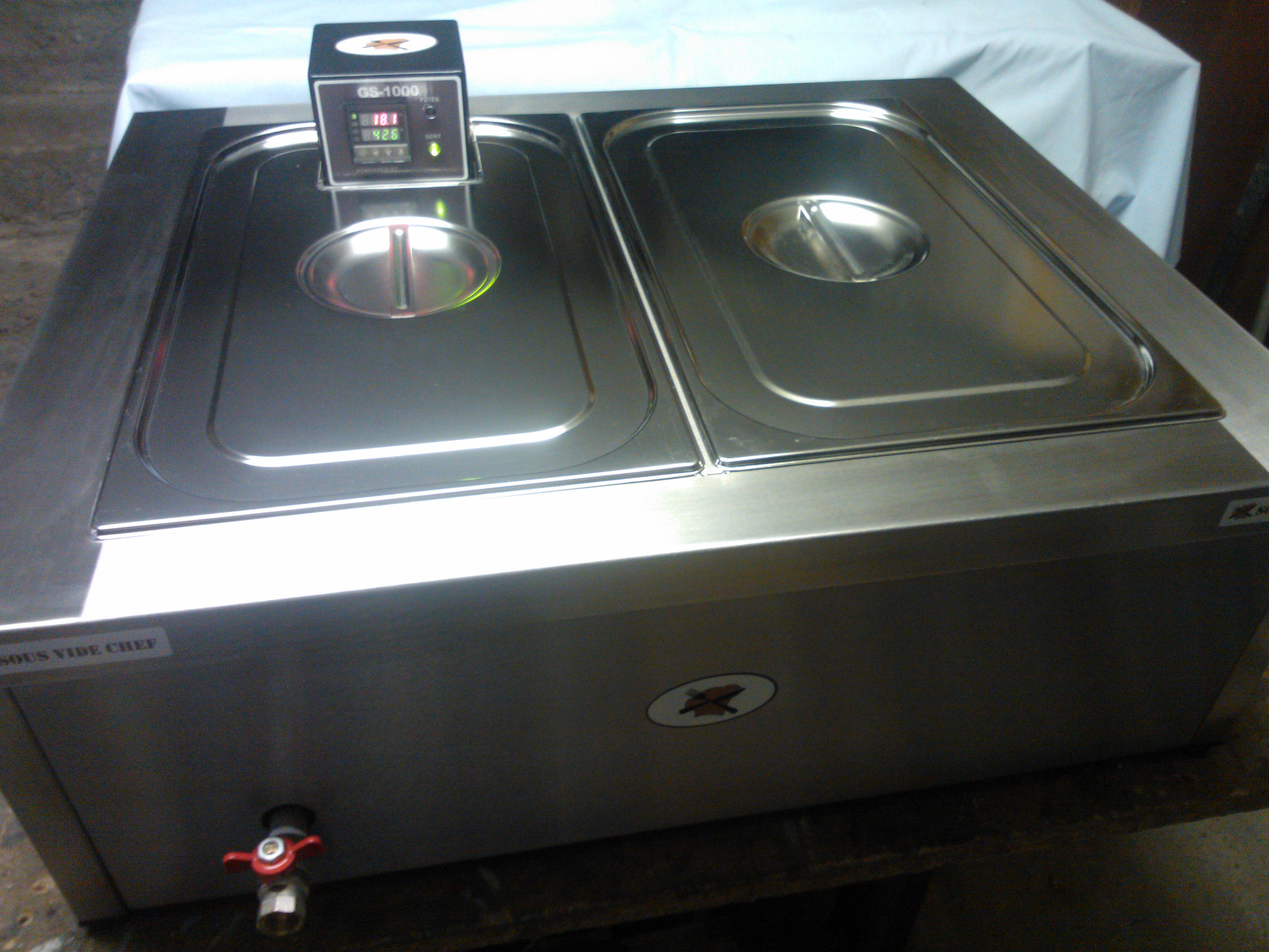 Sous-Vide Chef GS-1000+ kád.jpg