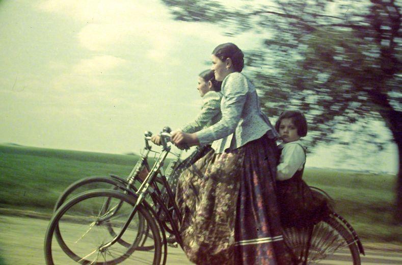 Egy rejtélyes magyar ős-cyclechic kép