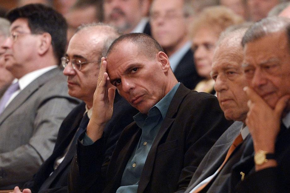 Janisz Varufakisz görög pénzügyminiszter a hellén nemzeti bank által szervezett találkozón (f.: AFP)
