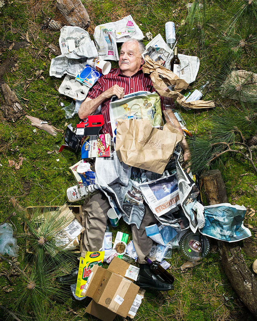 7-days-of-garbage-environmental-photography-gregg-segal-6.jpg
