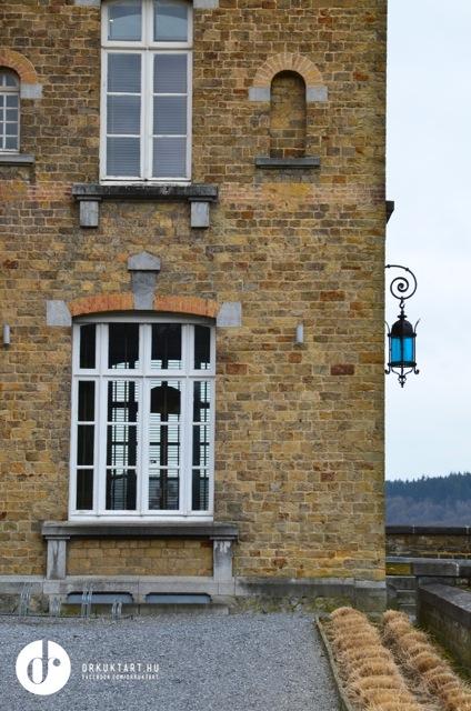 1 kis belgart kast lysz ll a jav b l visiting chateau. Black Bedroom Furniture Sets. Home Design Ideas