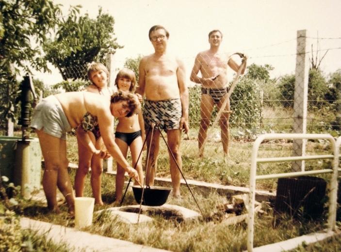 BográcsolunkMitszereztünkAkórházból1981.jpg