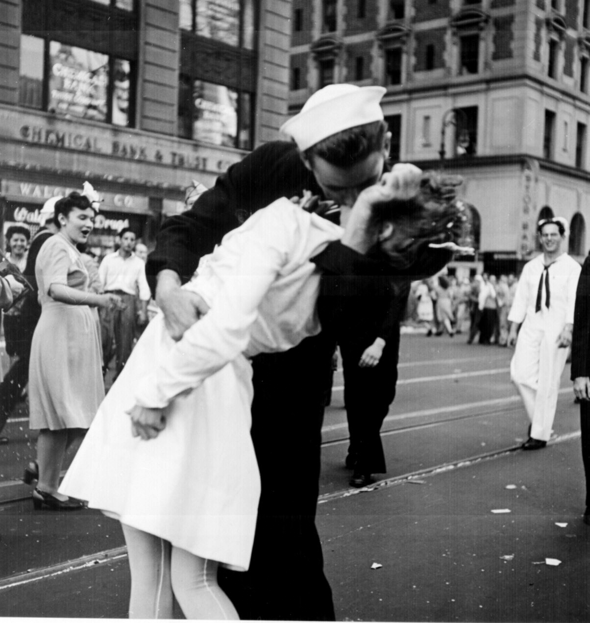 kissing_the_war_goodbye.jpg