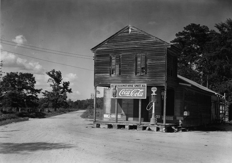 Üzlet a kereszteződésben, Sprott, Alabama, USA, 1936 (Walker Evans)