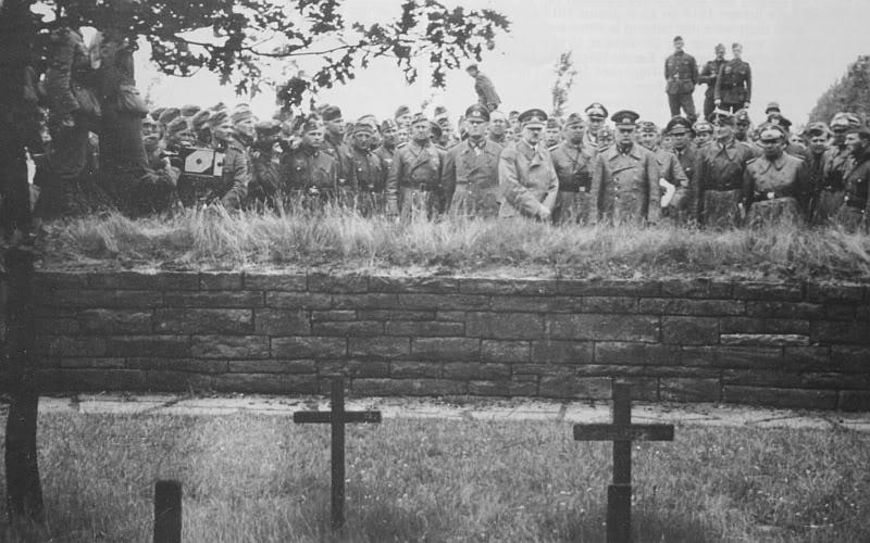 HitleratLangemarkjune19402.jpg