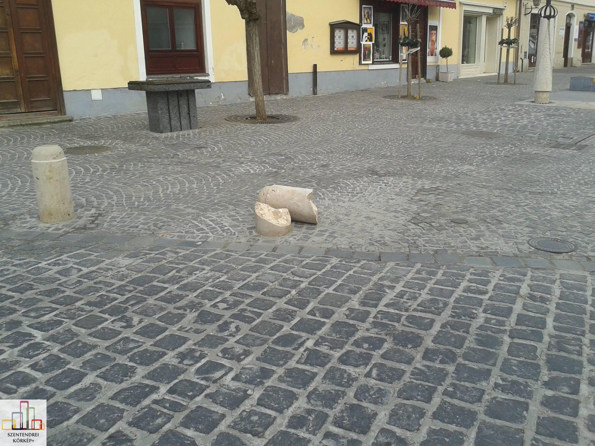 Kidöntöttek egy kőoszlopot a belvárosban