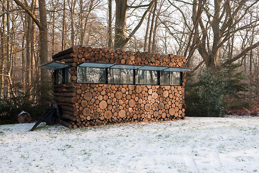 log-house-on-wheels-1.jpg