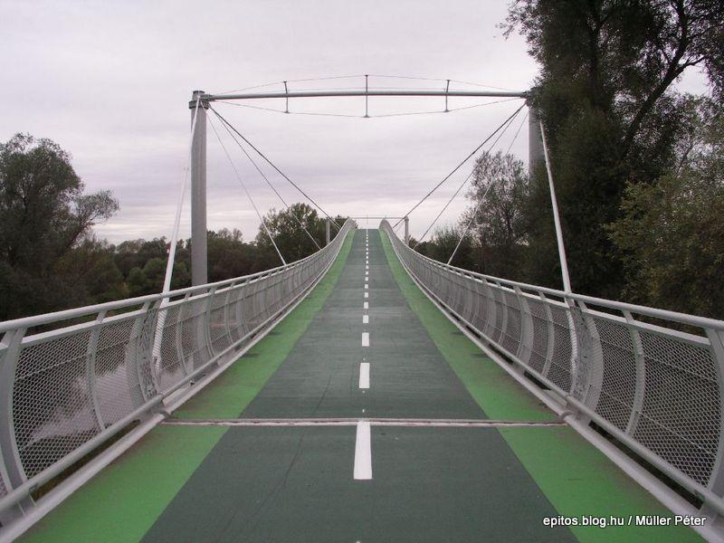 263 híd emelkedő.jpg