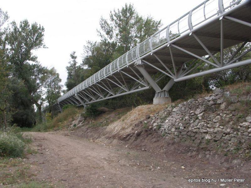 277 híd töltés.jpg