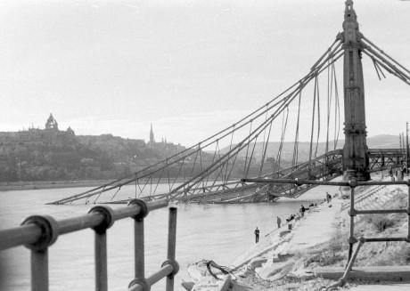 erzsebet-hid-1945-ben.jpg