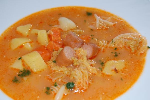 kelkáposzta leves virslivel egy nagy tabletta férgeknek a nevében