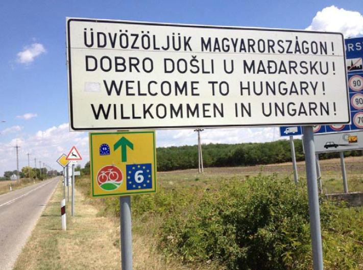 Üdvözöljük Magyarországon! EuroVelo-t is jelző közlekedési tábla a magyar határnál (forrás: bookshop.europa.eu)
