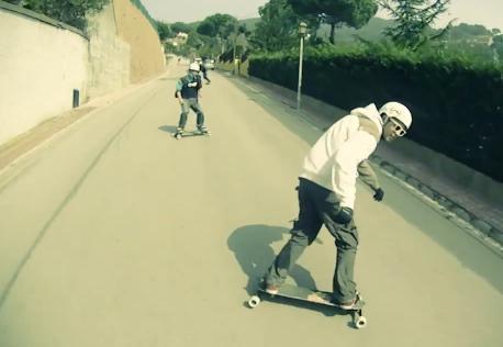 Freebord_extreme_sportok_blog_video_snowboard_nyaron_aszfalton.JPG