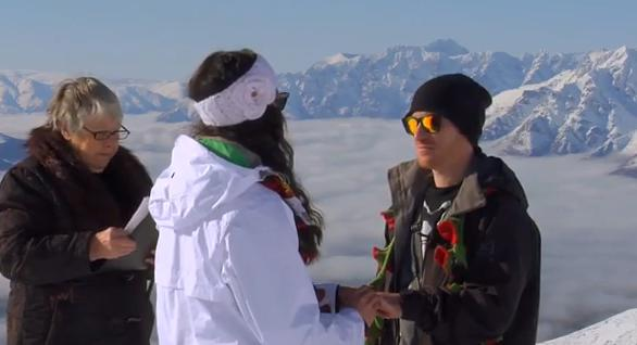 heli_snowboard_eskuvo_extremesportok_blog_video.JPG