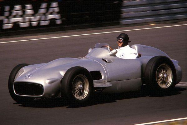 Mercedes_W_196 (Fangio).jpg