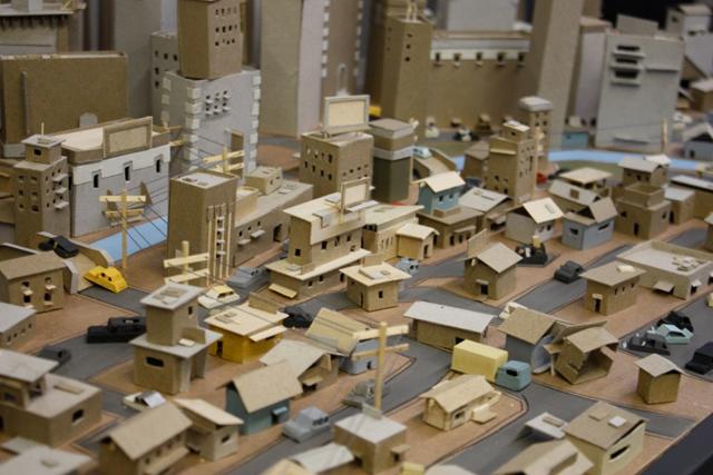 kiel-johnson-cardboard-cityscape4.jpeg