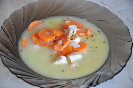 tárkonyos leves.jpg