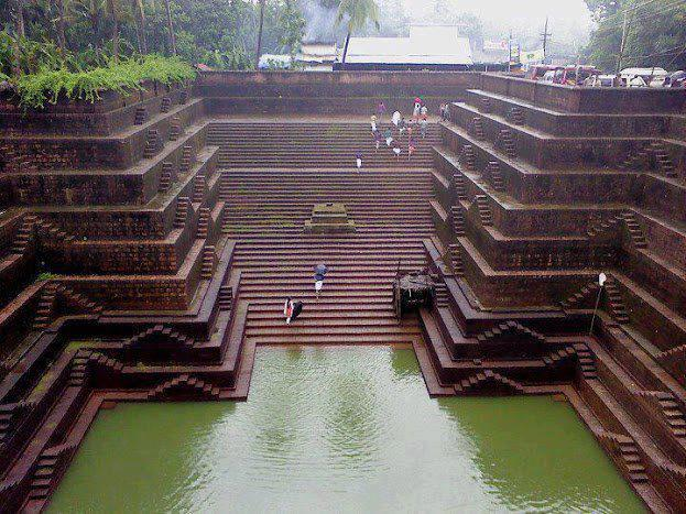 peralaserry-shree-subramania-temple-tank.jpg