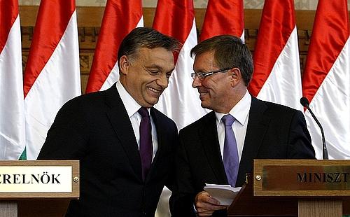 Orban_Viktor_Fidesz_elnok_miniszterelnok_Matolcsy_Gyorgy_nemzetgazdasagi_miniszter_gazdasag_mosoly.png