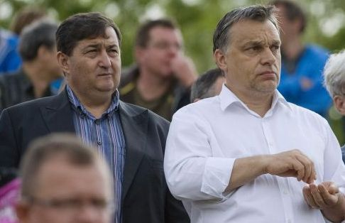 Orban_Viktor_Fidesz_miniszterelnok_Meszaros_Lorinc_milliardo_felcsuti_polgarmester_Puskas_Ferenc_Labdarugo_Akademia_elnok_foci_meccs_szotyi.jpg