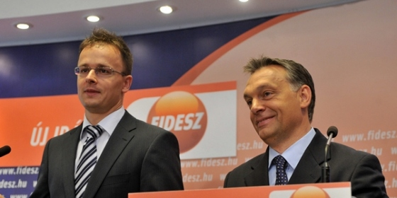 Szijjarto_Peter_plebejus_puritan_hirdeto_Fidesz_politikus_kepviselo_kulugyminiszter_dunakeszi_luxus_lakas_167_millios_luxusvilla_Orban_Viktor_Uj_irany_ellenzek.jpg