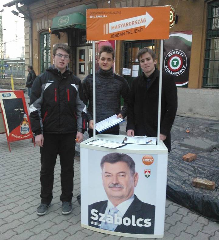 Ujbuda_11ker_xi_kerulet_Fidelitas_aktivistak_kitelepules_Szabolcs_Attila_Fidesz_jelolt_trafik_trafikmutyi_Kelenfold.png