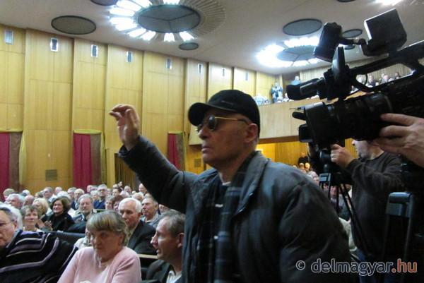 szegedi_rezsiforum_rezsiharc_rezsi_kormany_propaganda_gyules_Fidesz_Szeged_jelentkezes_hozzaszolasra.jpg