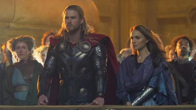 Thor-The-Dark-World-Chris-Hemsworth-Natalie-Portman-e1365011117908.jpg
