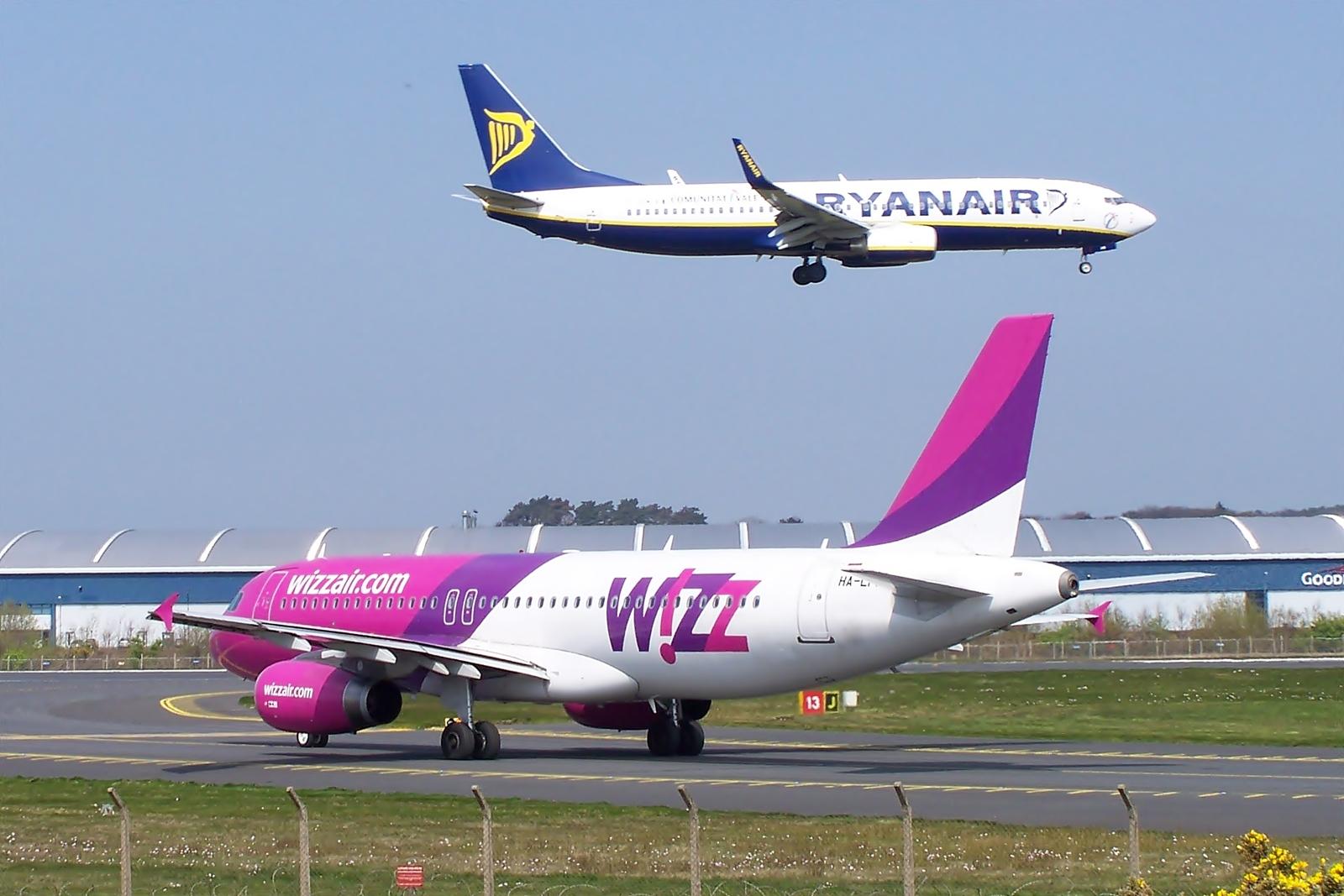 Ryanair_Wizz.jpg
